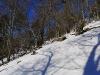 Der Zustieg ist mit Steinmännchen markiert, die man im Schnee nur schwer sieht.